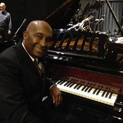 Bobby Floyd, piano