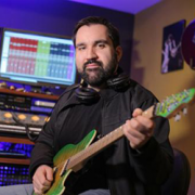 Richie Castellano, guitar