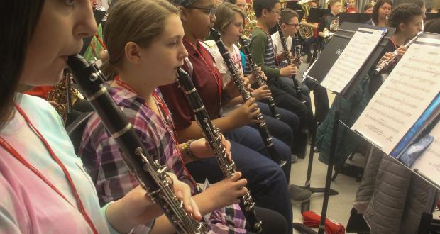 Middle School Honor Band rehearsal clarinet section